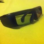 Eine Samsung Shutter Brille mit Batterie